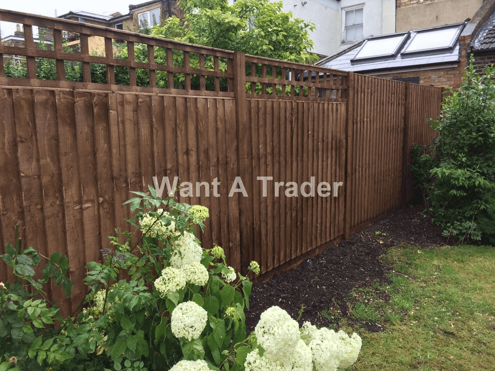 Garden Fence Builder Epsom KT19
